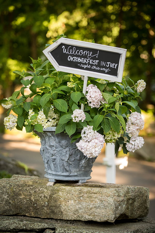 weddings-bethany-welcome-sign
